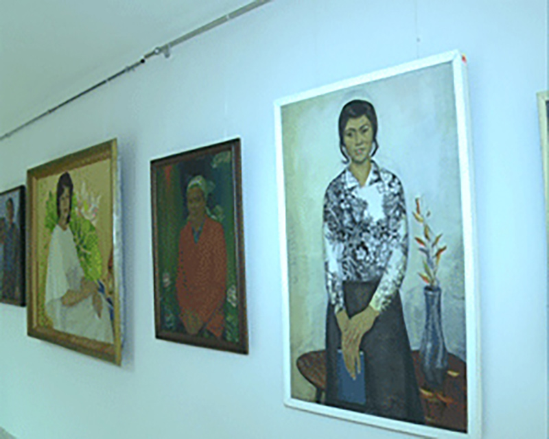 """""""Красивой женщины портрет"""" — в Нацмузее Калмыкии"""