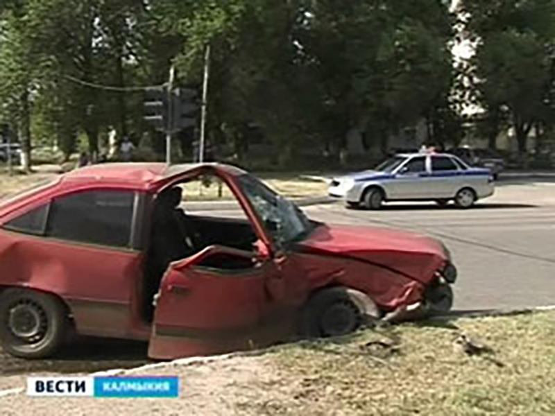 На дорогах Калмыкии зарегистрировано 16 ДТП