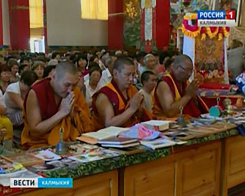 В «Золотой обители Будды Шакьямуни» пройдут традиционные молебны для школьников и студентов