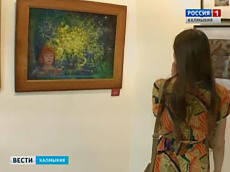 В Национальном музее открылась фотовыставка «Мой город любимый, моя Элиста!»