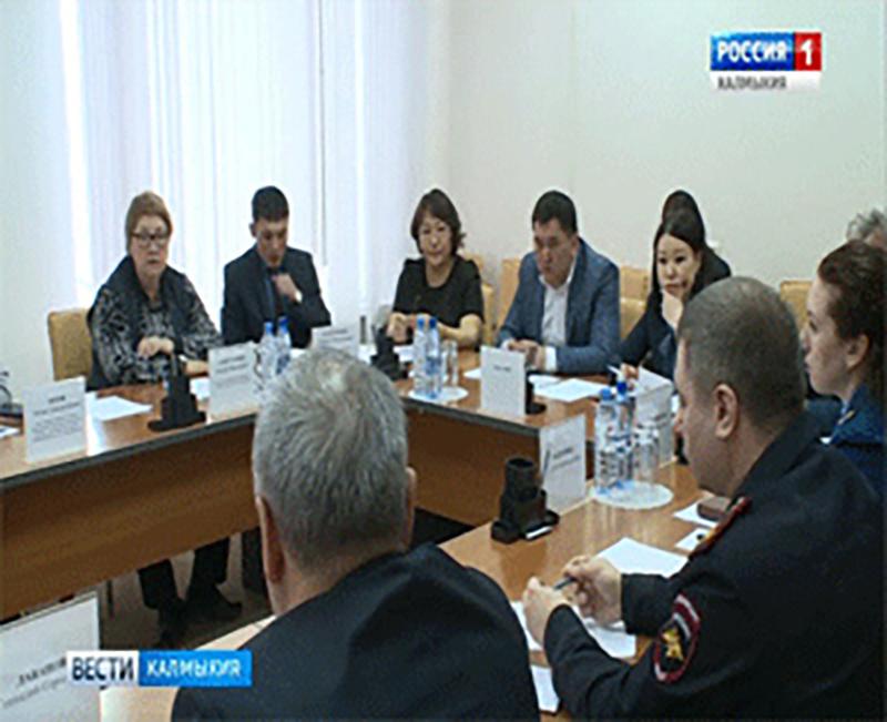 Городские дороги обсудили на заседании комитета народного Хурала