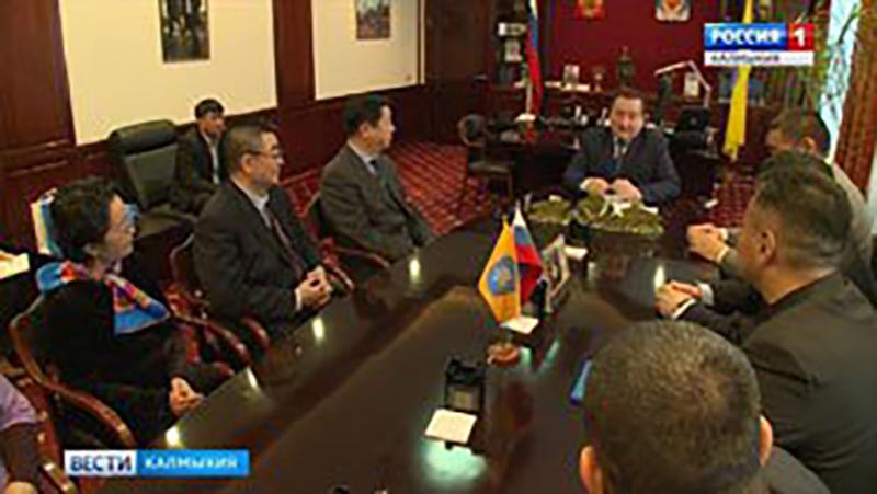 Председатель Народного Хурала встретился с журналистами из КНР