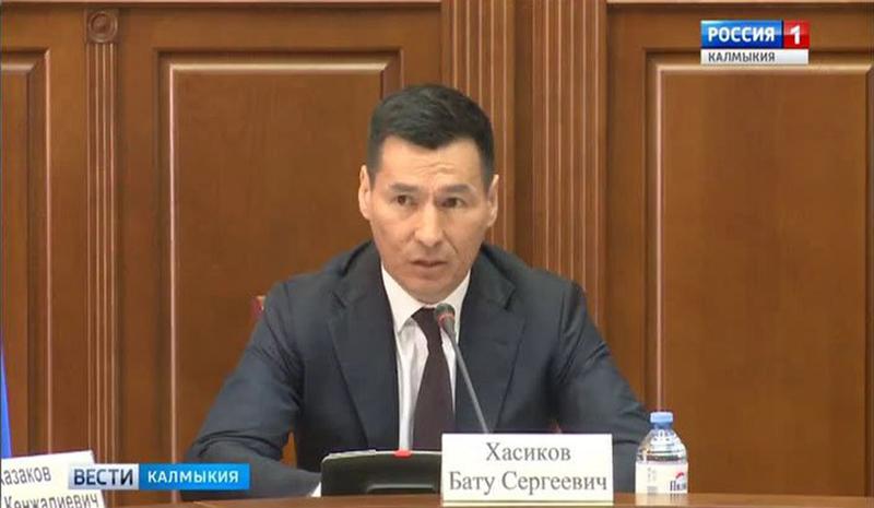 Бату Хасиков провел заседание призывной комиссии