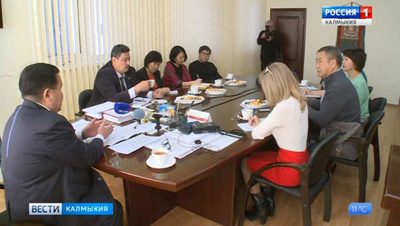 Ректор КалмГУ провел пресс-конференцию
