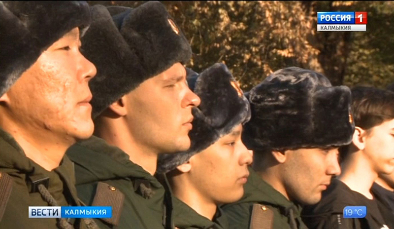В Элисте проводили в армию новобранцев