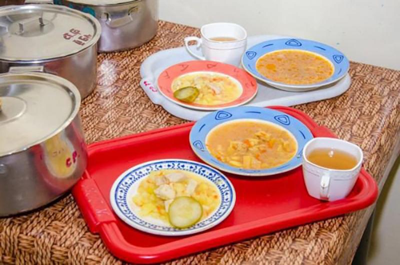 Ученики начальной школы Черноземельского района обеспечены горячим питанием