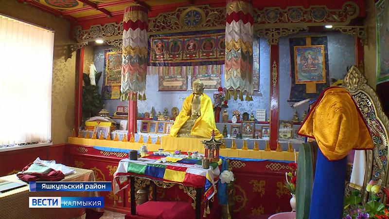 Подаренные Калмыкии 5900 статуй Будды Кшитигарбхи уже переданы хурулам республики