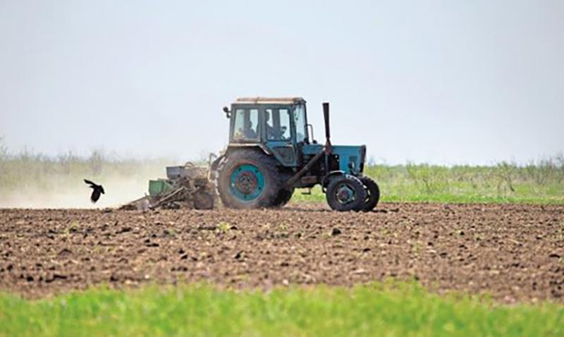 В Калмыкии стартовали весенне-полевые работы