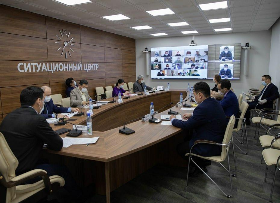 Бату Хасиков провел совещание с главами районных муниципальных образований