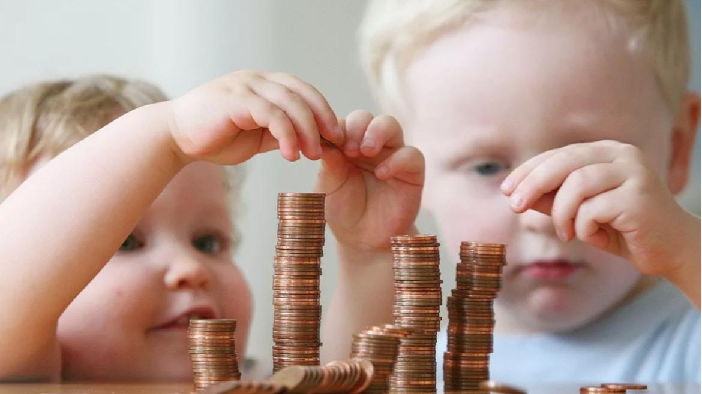 Глава Калмыкии Бату Хасиков подписал Указ о ежемесячной денежной выплате на ребенка в возрасте от 3 до 7 лет