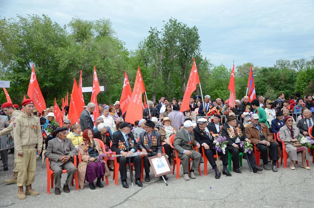 Поздравление с Днем Великой Победы направил  Председатель Совета старейшин при Главе Калмыкии Валерий Богданов