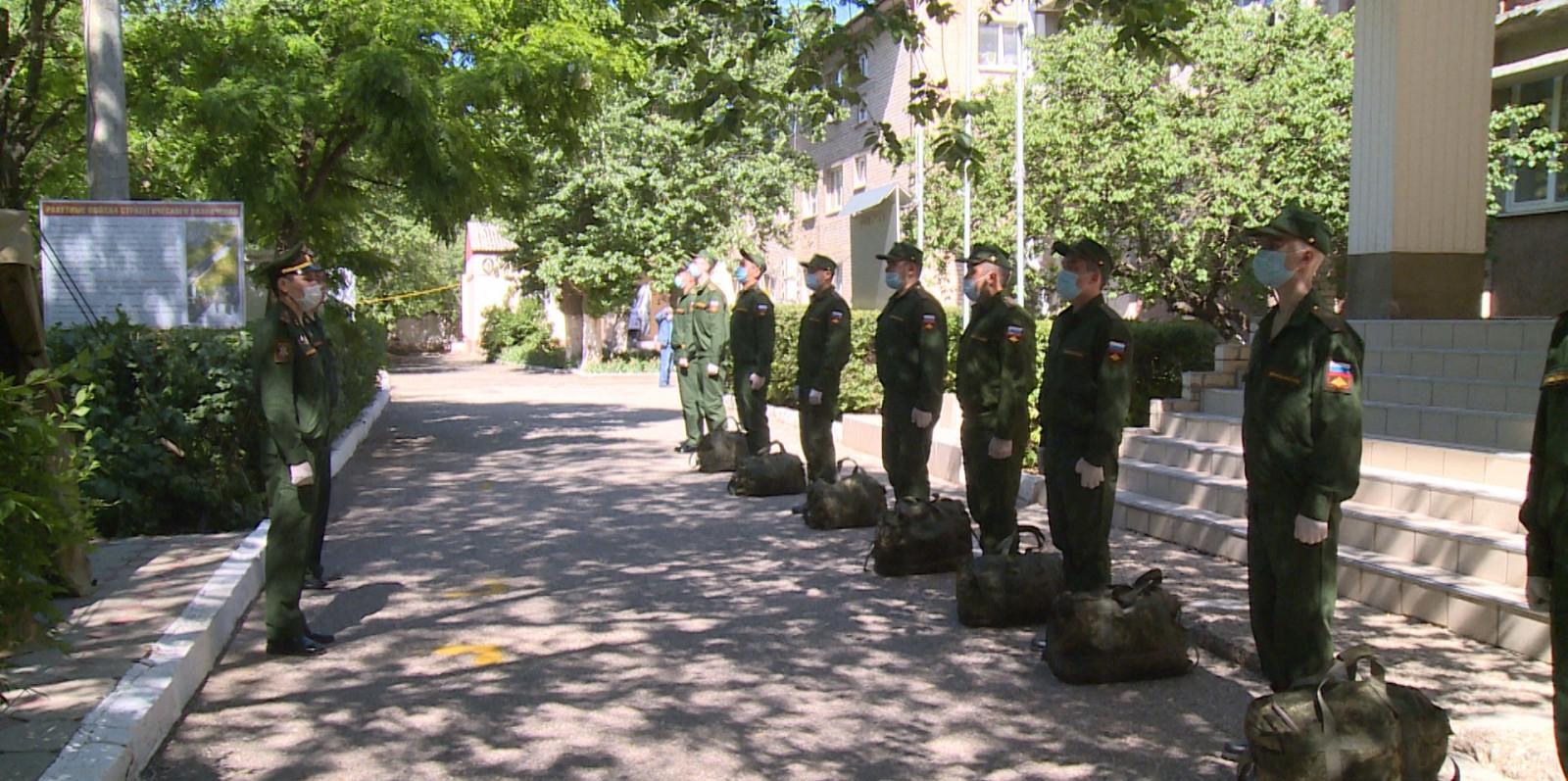 Новобранцы из Калмыкии отправились к местам прохождения срочной службы