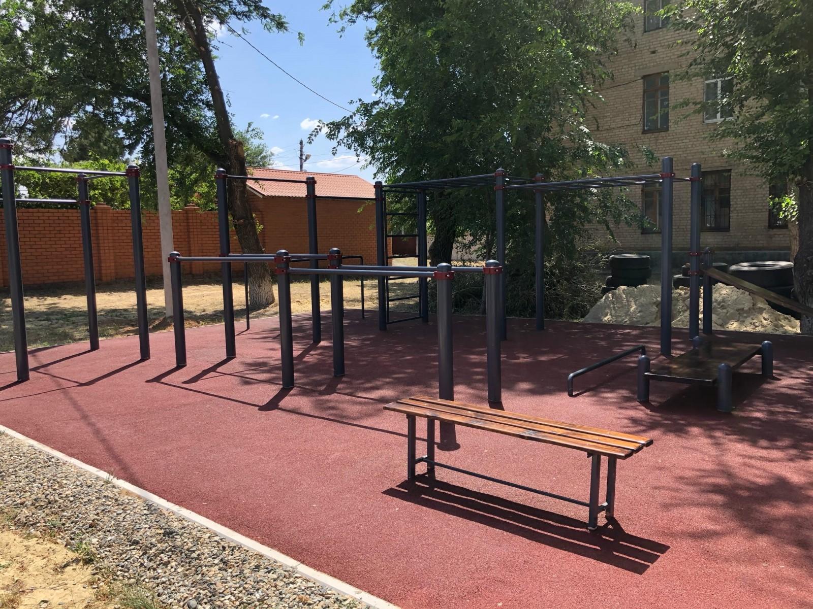 В Элисте открылась новая Ворк-аут площадка