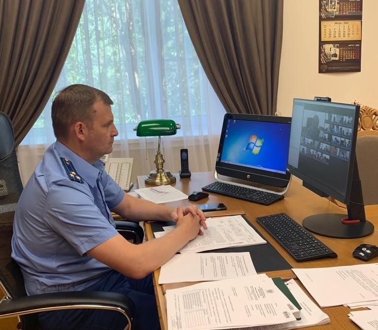 Вопросы защиты трудовых прав граждан обсудили в Прокуратуре республики