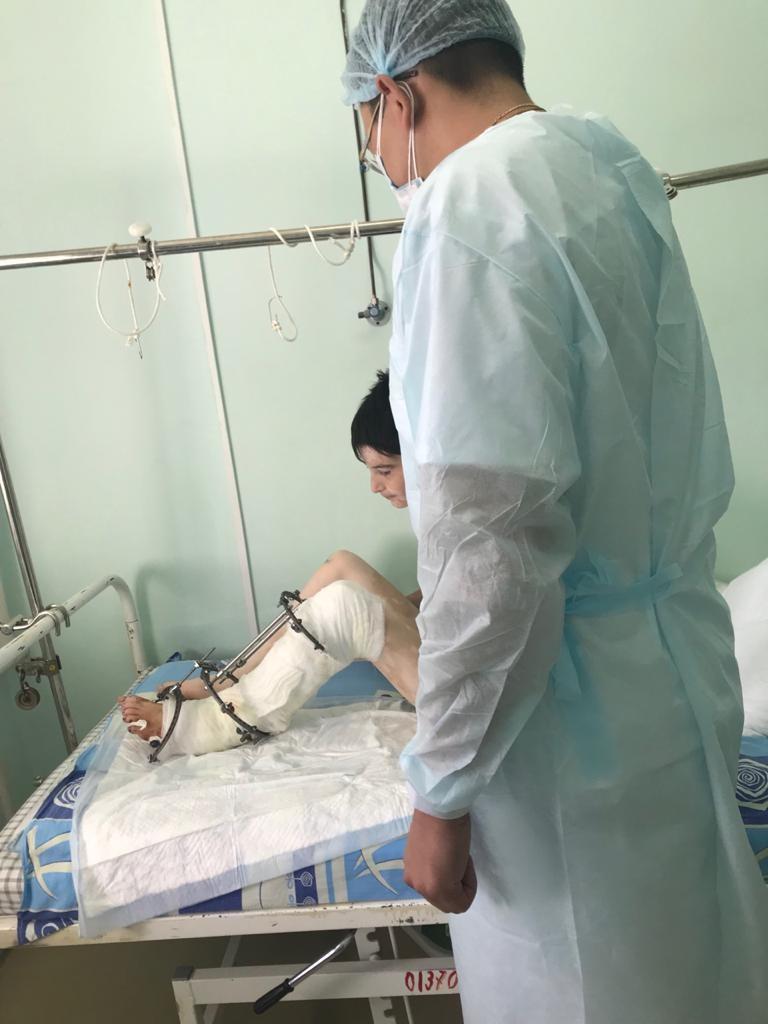 Благодаря профессионализму врачей, школьник чудом избежал ампутации ноги