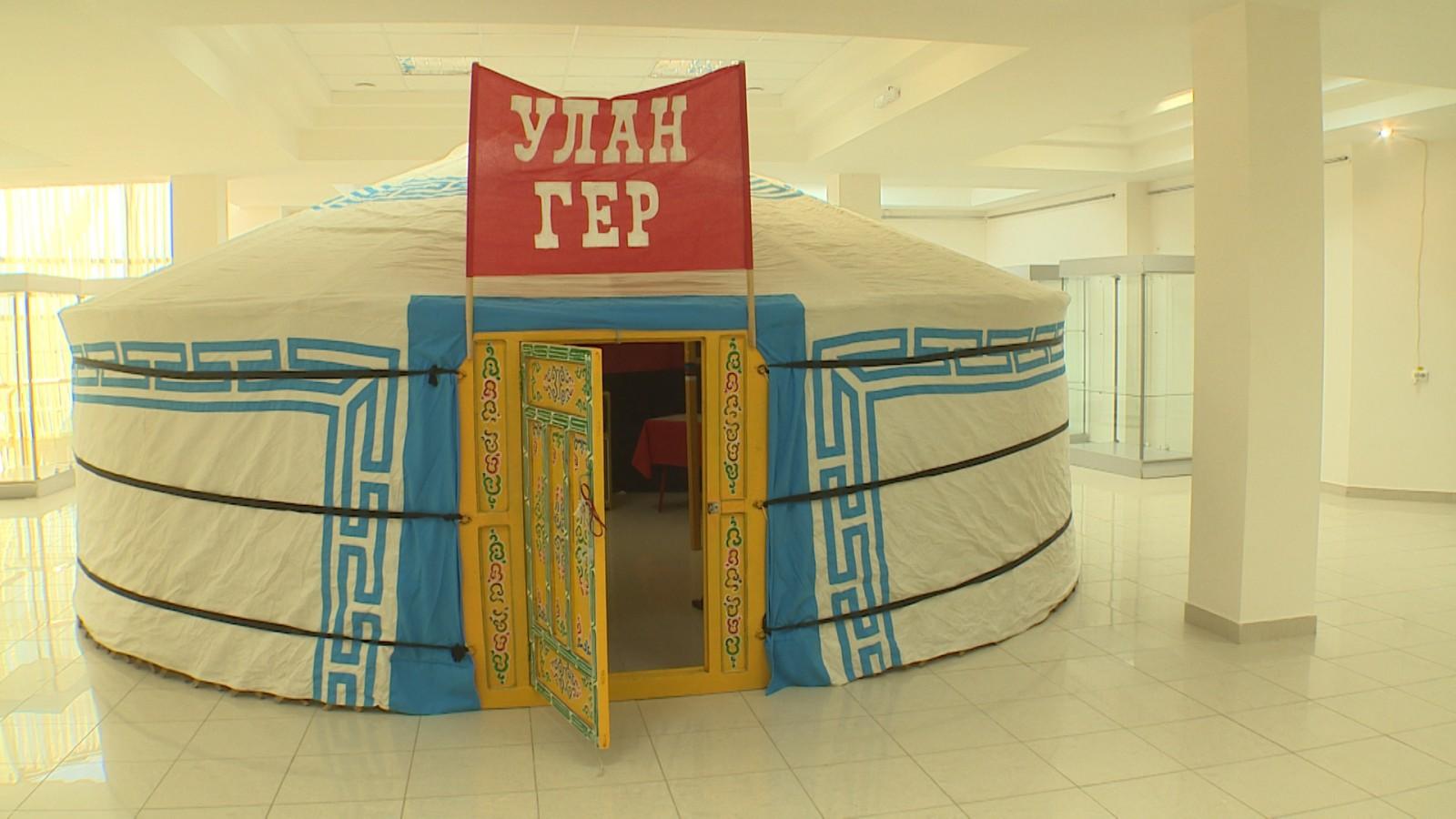В национальном музее имени Пальмова - новая экспозиция