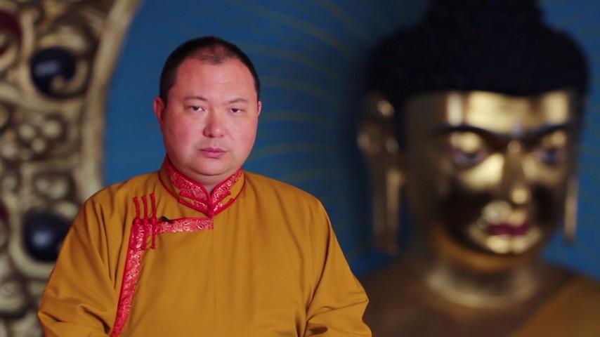 Бату Хасиков поздравил Верховного ламу Калмыкии с Днём Рождения