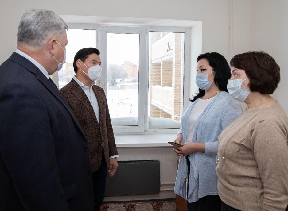 В Калмыкии началась выдача бесплатных лекарств амбулаторным больным, переносящим COVID-19  в легкой форме