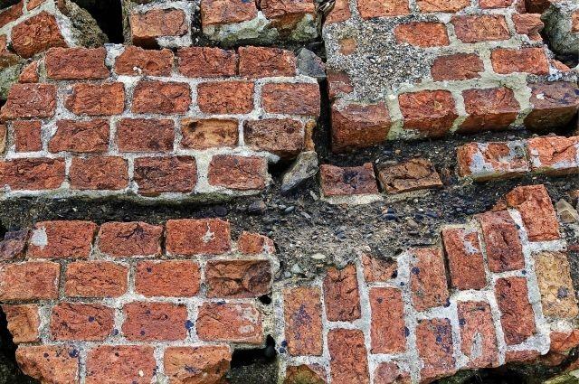 Продолжается расследование уголовного дела об обрушении стены в торговом центре