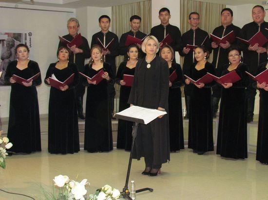 Государственный хор Калмыкии готовится к гастролям