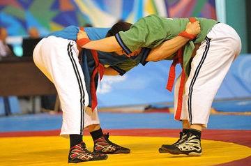 Дан старт первому Чемпионату по калмыцкой национальной борьбе на поясах