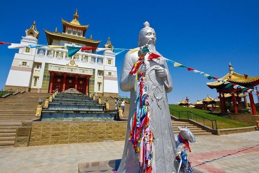12 мая для буддистов наступит священный месяц «Үр сар»