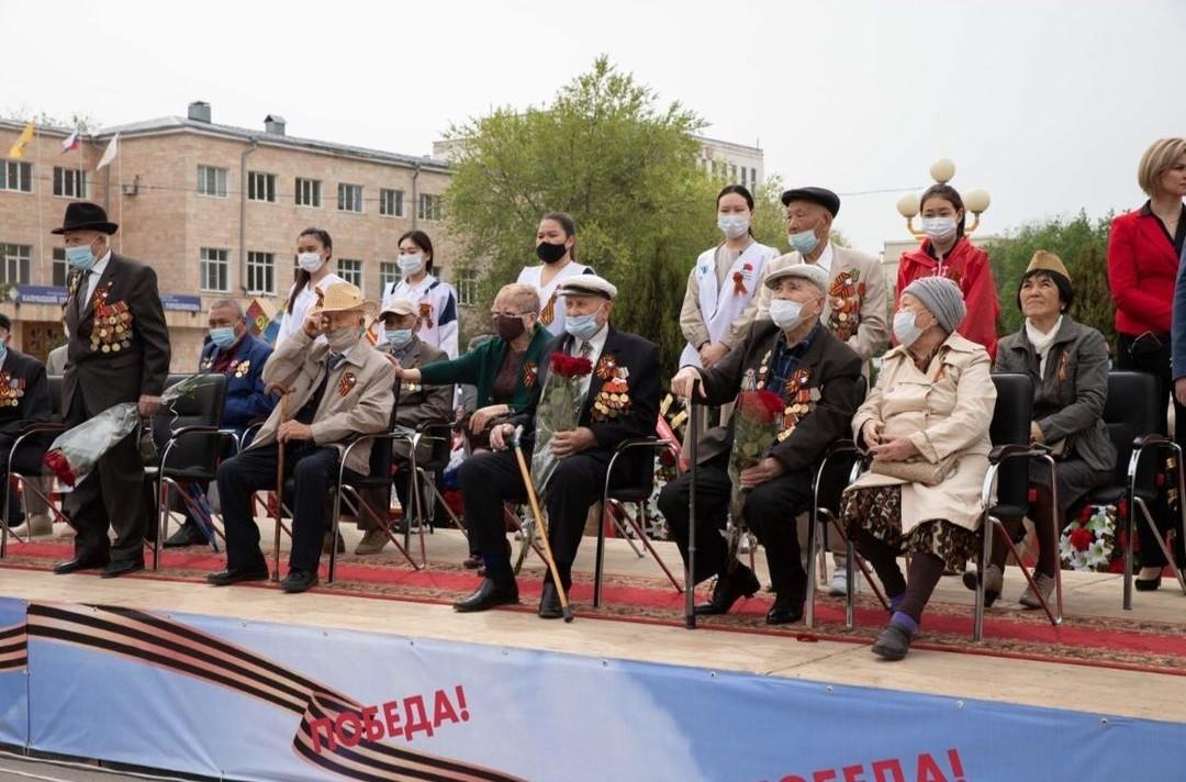 Теплые слова благодарности и ценные подарки получили ветераны Великой Отечественной войны