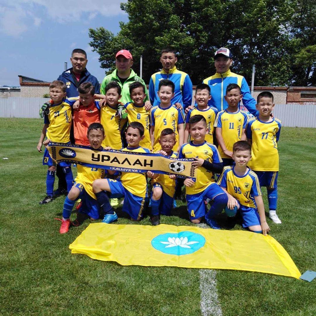 Юные спортсмены клуба «Уралан» вернулись из недельного тура в Анапе