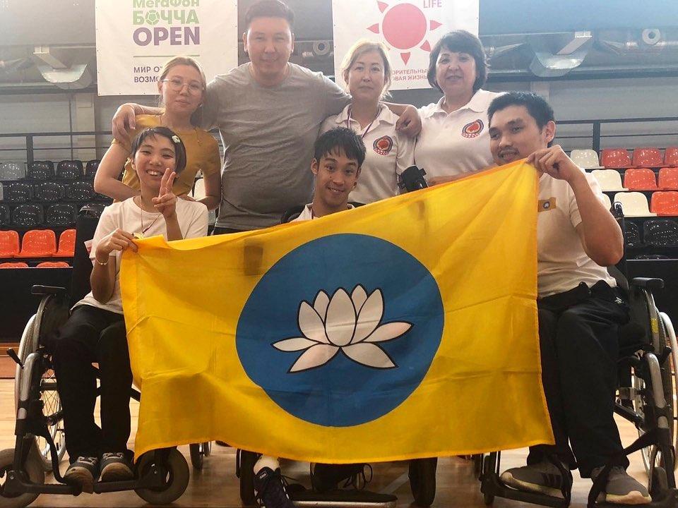 Калмыцкие паралимпийцы привезли домой россыпь медалей