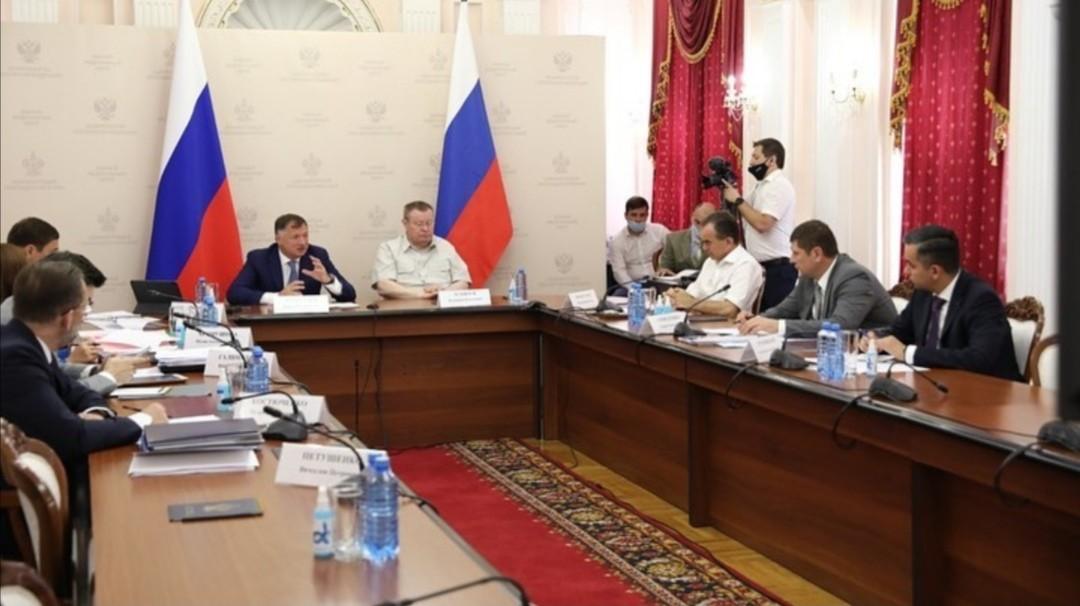 Глава Калмыкии Бату Хасиков посетил с рабочим визитом Санкт-Петербург