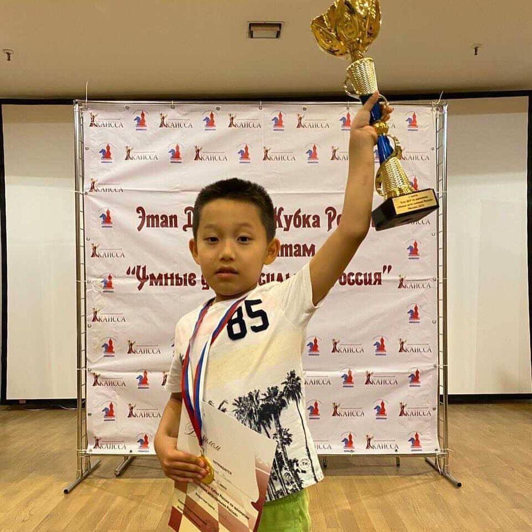 Очередная победа юного шахматиста Романа Шогджиева