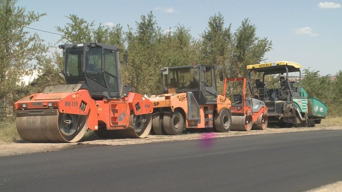 В Элисте продолжается ремонт дорог