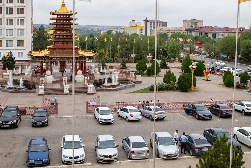 Глава Калмыкии Бату Хасиков: «Считаю правильным предложение партии уменьшить транспортный налог»