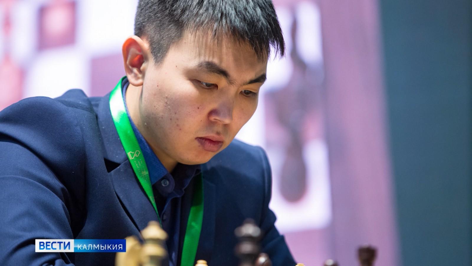 Санан Сюгиров впервые стал чемпионом России по быстрым шахматам