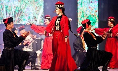 Сегодня на сцене Национального театра прошел концерт «Степные узоры»
