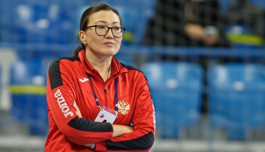 Под руководством нашей землячки Людмилы Бодниевой гандболистки сборной страны победили швейцарок в отборочном матче ЧЕ-2022
