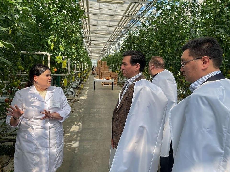 Сегодня Бату Хасиков посетил агрокомплекс «Чурилово»