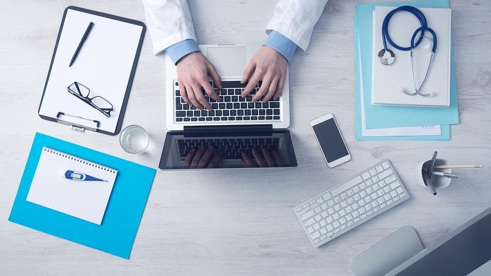 До 31 октября жители Калмыкии могут бесплатно проконсультироваться с ведущими гинекологами и кардиологами страны