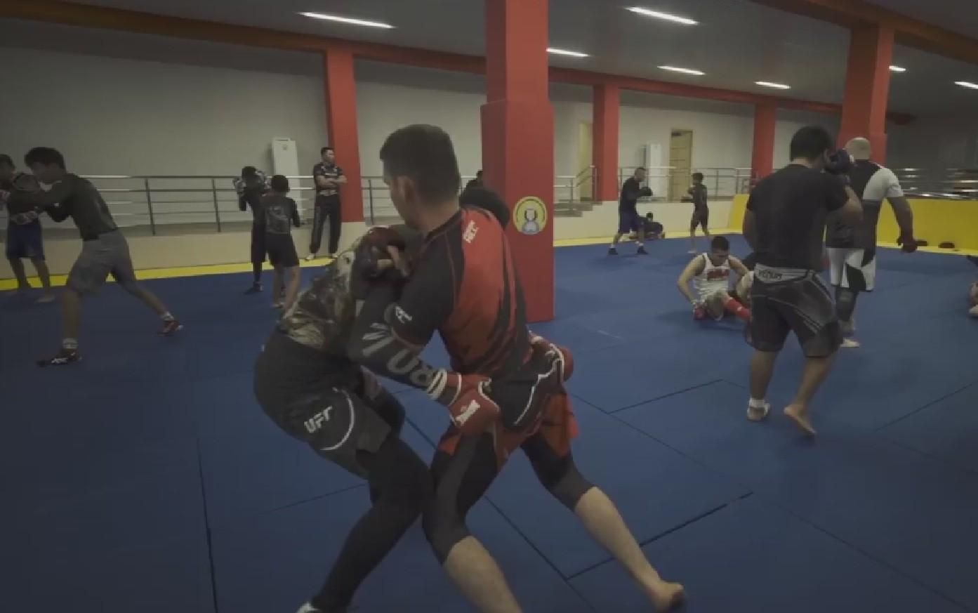 Калмыцкие спортсмены обмениваются опытом с ребятами из соседних регионов