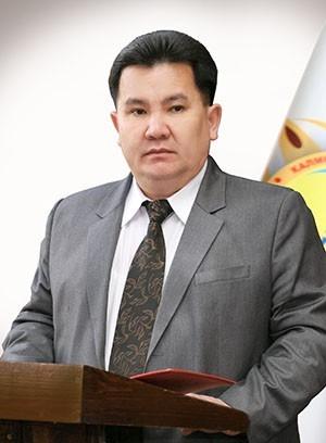 Работа ректора КалмГУ  Бадмы Салаева отмечена Президентом