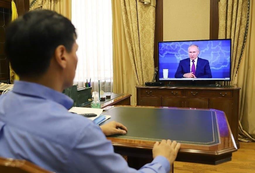 Бату Хасиков обратился к жителям региона с просьбой прислушаться к словам Президента о вакцинации
