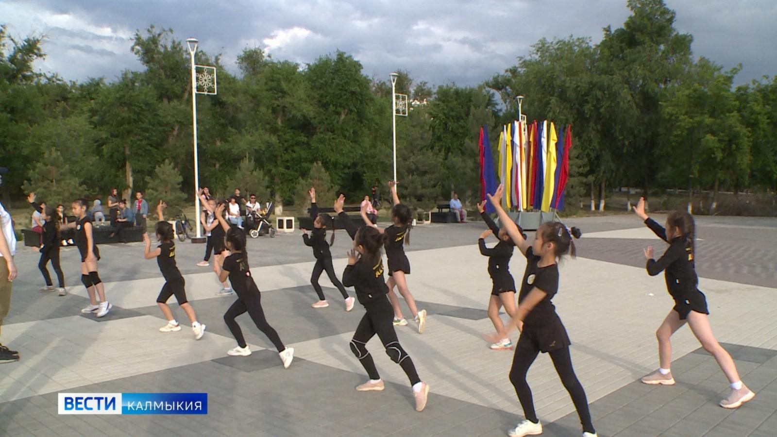 В парке Дружба начались репетиции празднования Дня России