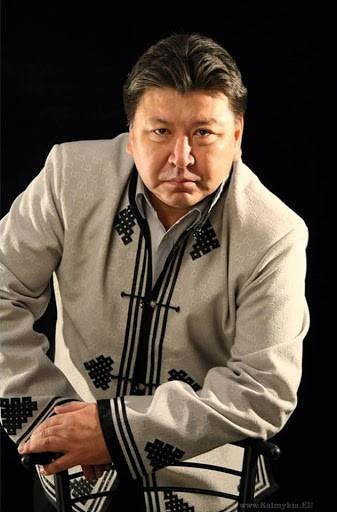 Борис Манджиев поставит спектакль на сцене Национального молодежного театра имени Мустая Карима