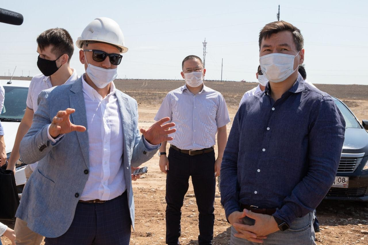 Глава региона побывал с рабочим визитом в Юстинском районе