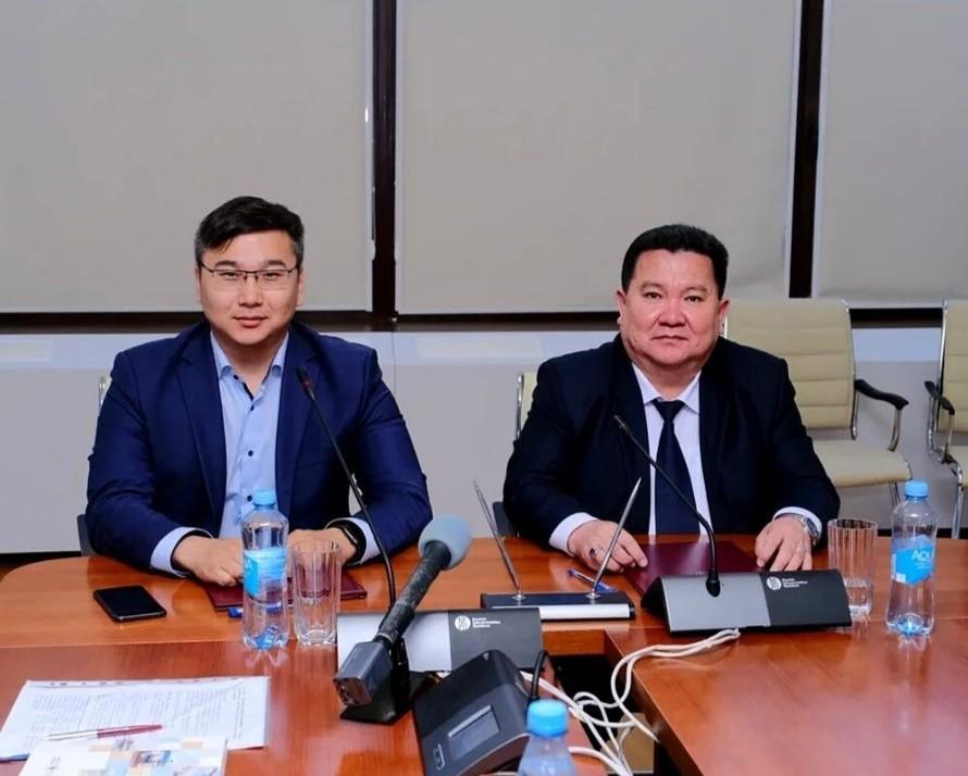 В стенах КалмГУ состоялось подписание соглашения между министерством цифрового развития региона и руководством опорного ВУЗа